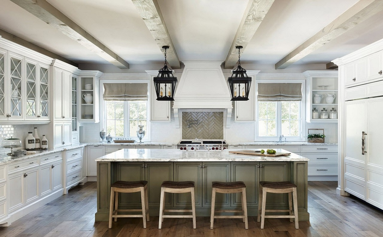 Потолок на кухне в греческом стиле