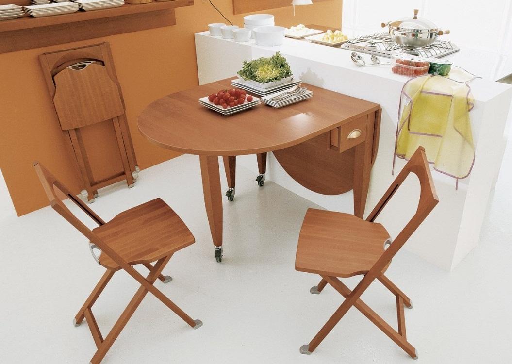 Раскладной стол из дерева для кухни