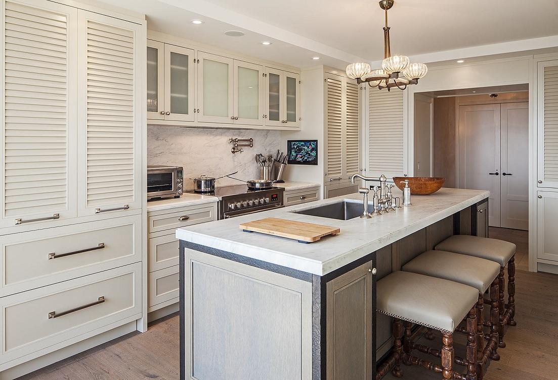 Распашная дверь для кухни