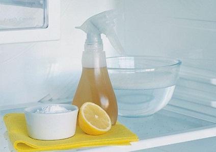 Сок лимона для устранения запаха в холодильнике