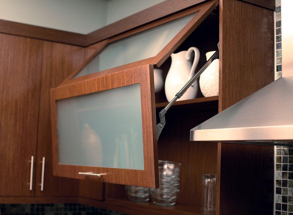 Способы открывания дверцы подвесного шкафа