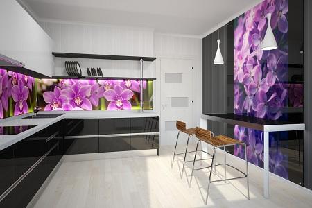 Фальш-панель из стекла на кухне